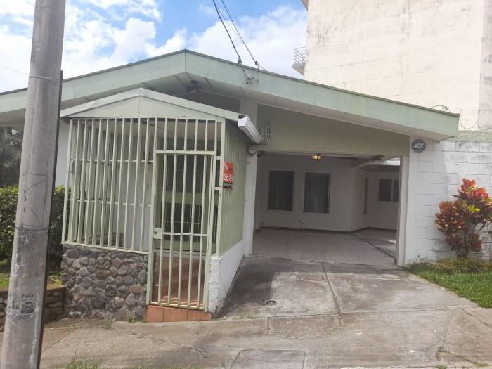Se Vende Casa en San José Rohrmoser de una planta