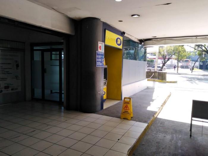 Local en venta en Gran portal Petapa Zona 12