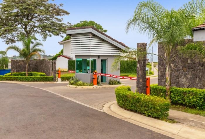 Lote residencial en venta Condominio Montezuma Alajuela