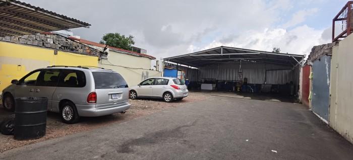Inmueble comercial en venta Alajuela a 14m calle ancha!