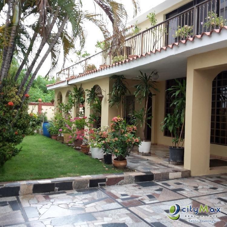 Casa en Venta en Los Cacicazgos en Santo Domingo