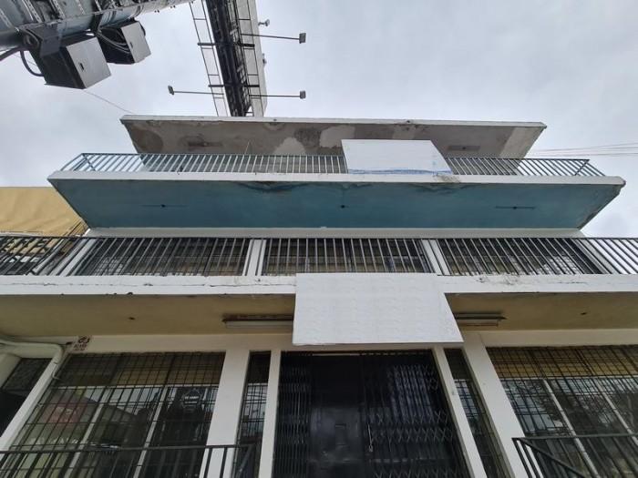 Edificio de 4 niveles en Venta en Calz. Aguilar Batres