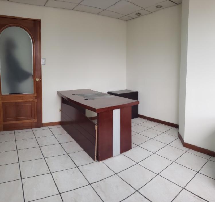 Alquilo linda oficina en GEMINIS 10 zona 10