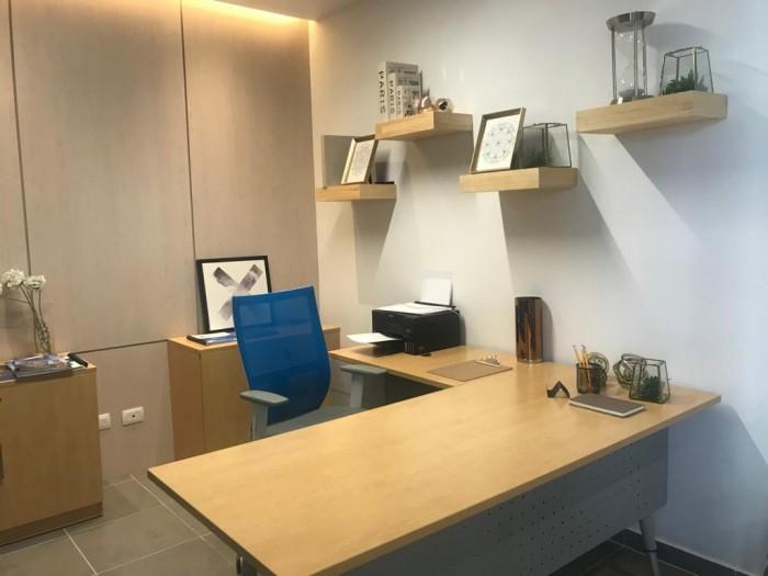 Oficina en Venta zona 9 moderno edificio
