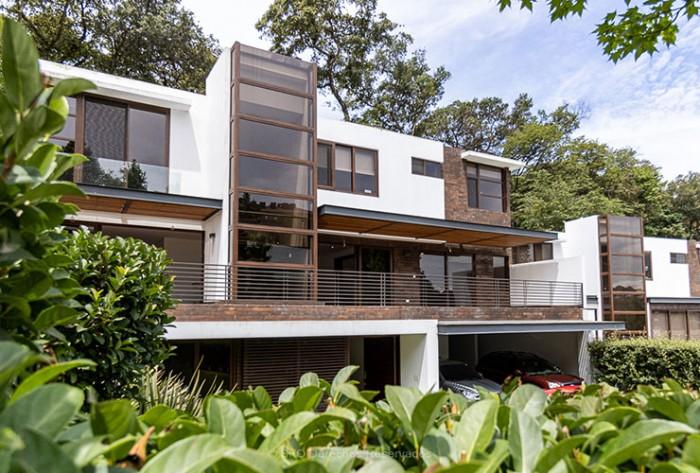VENTA hermosa casa en Acantos Cayala zona 16