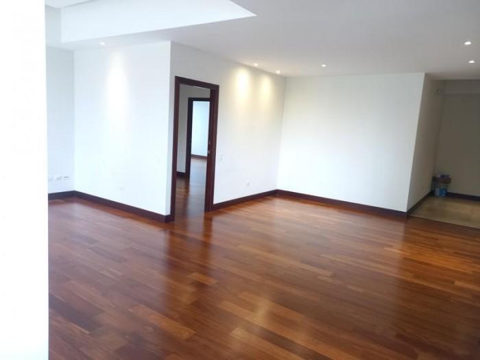 Apartamento en renta zona 14 Tiffany Cañada, 3 Hab.