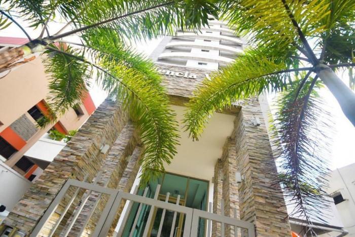 Apartamento Evaristo Morales 2 habitaciones y balcón