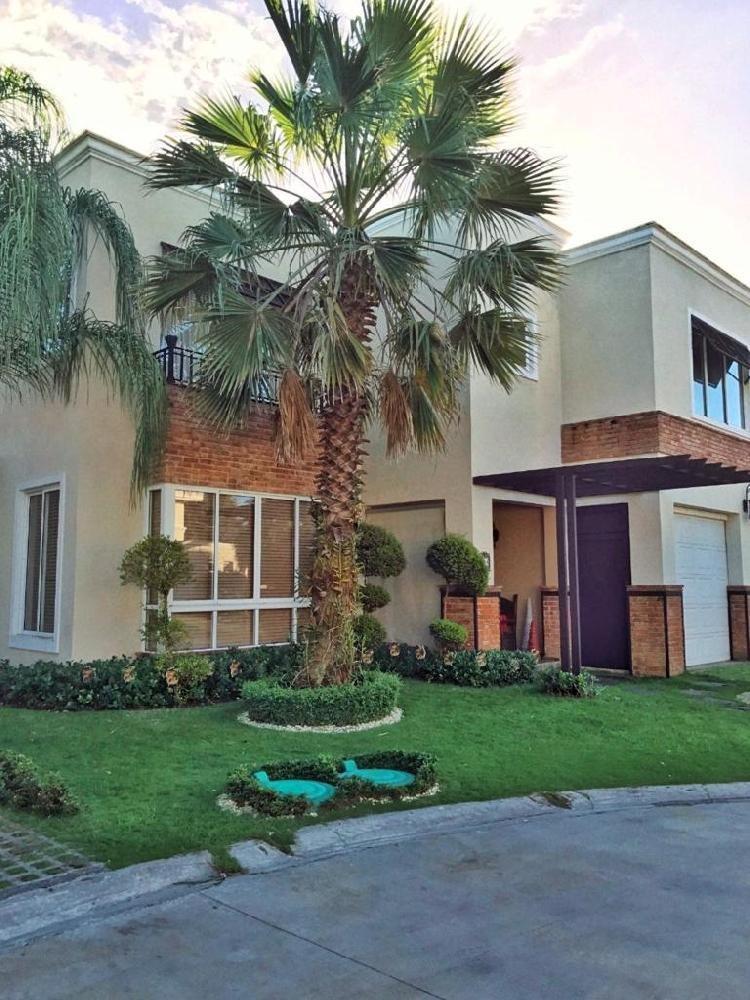Casa en Venta y Renta,  Isabel Villas Santo Domingo