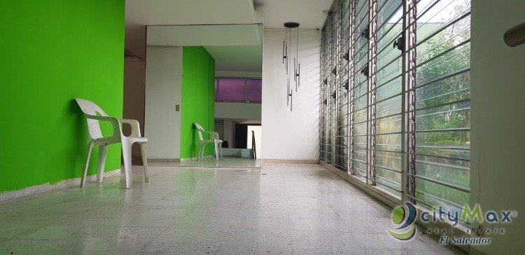 Alquilo casa para Oficinas en Colonia Escalón