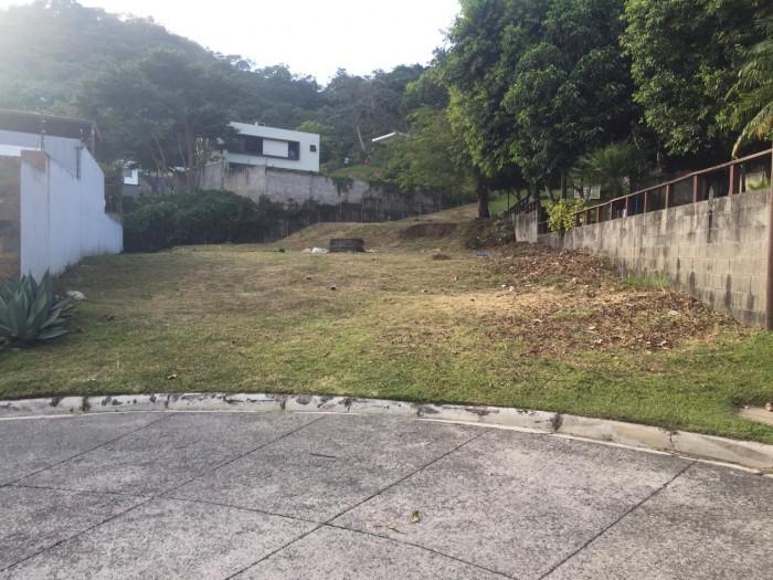 Vendo Terreno PLANO en Condado Santa Elena