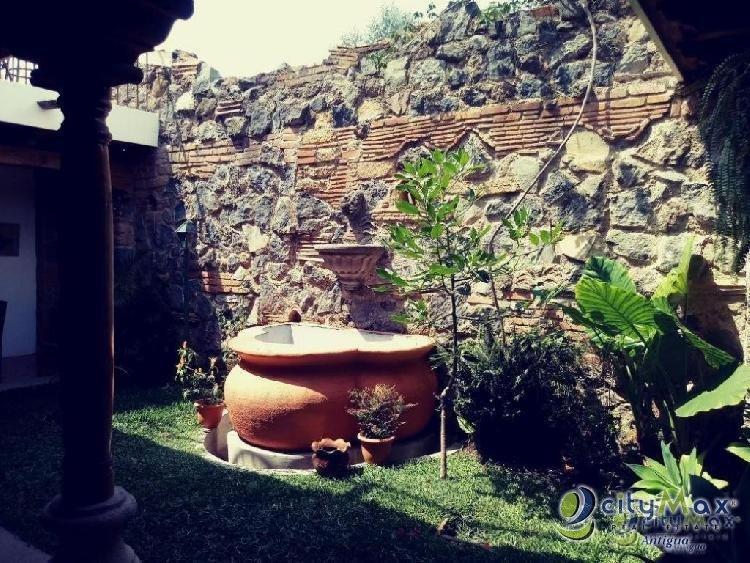CityMax Antigua vende casa amueblada en San Miguel D!