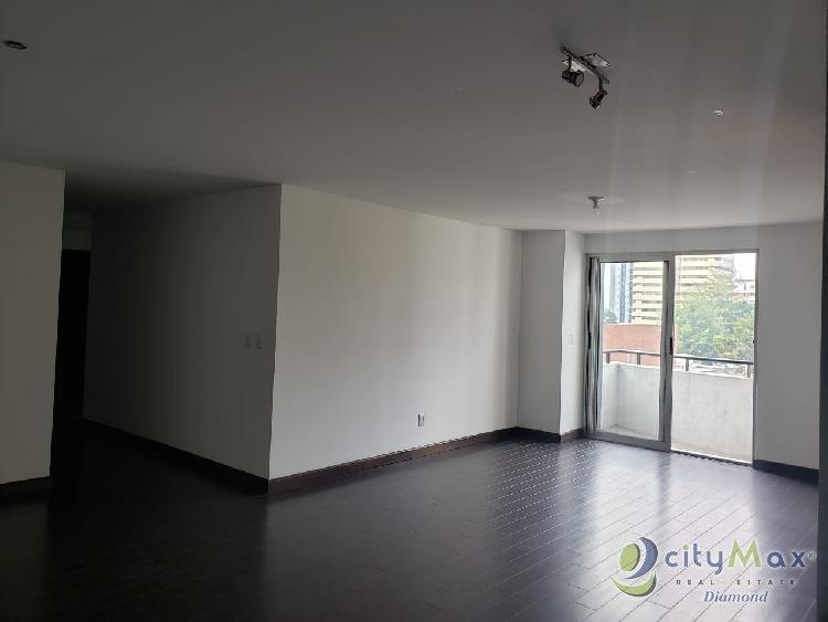 En renta amplio apartamento en zona 14 Attica