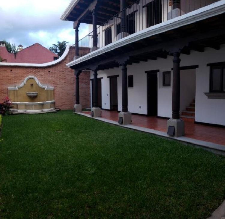 Ganga! Venta de casa cerca del centro de Antigua Guate!
