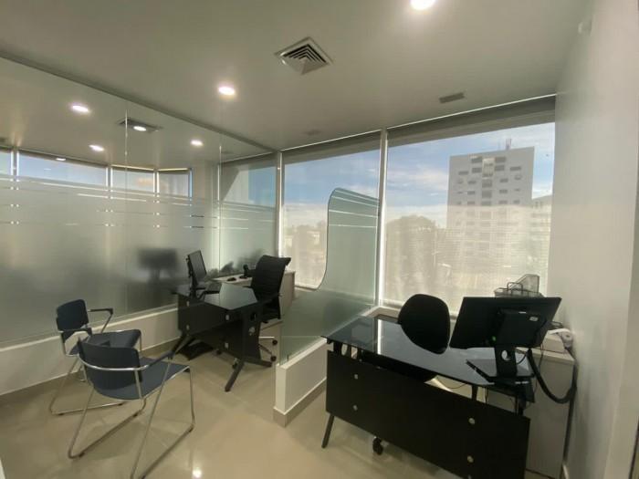 oficina amueblada en torre en alquiler en la Julia