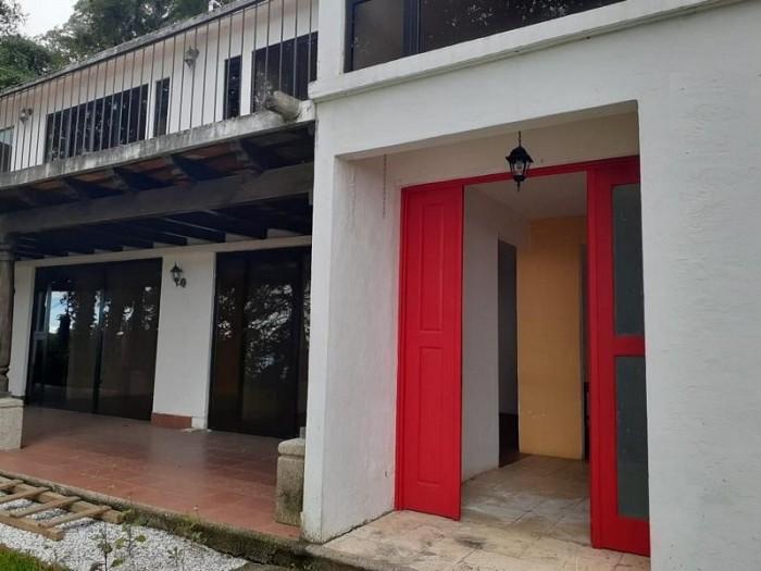 Casa en Venta en El Encinal Zona 7 Mixco