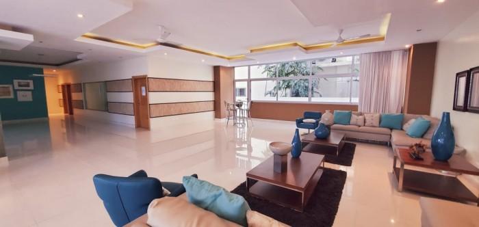 Vendo amplio Apartamento en Piantini torre moderna