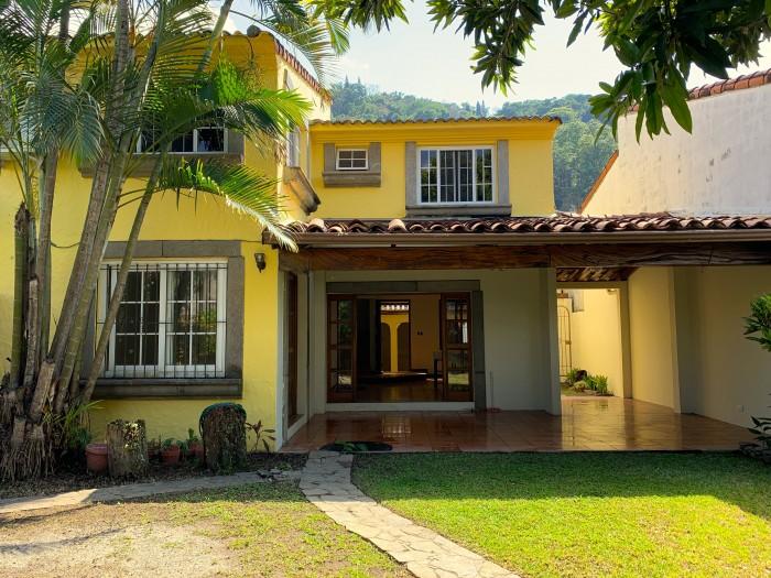 Santa Elena, res. privado, casa en venta.