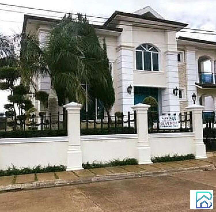 Hermosa Casa en Gurabo