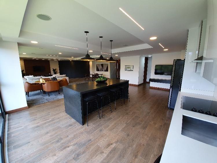 Se alquila apartamento en zona 10 área oakland.