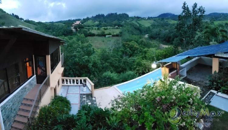 Casa Vacacional  con Vista al Rio en Jarabacoa, La Vega