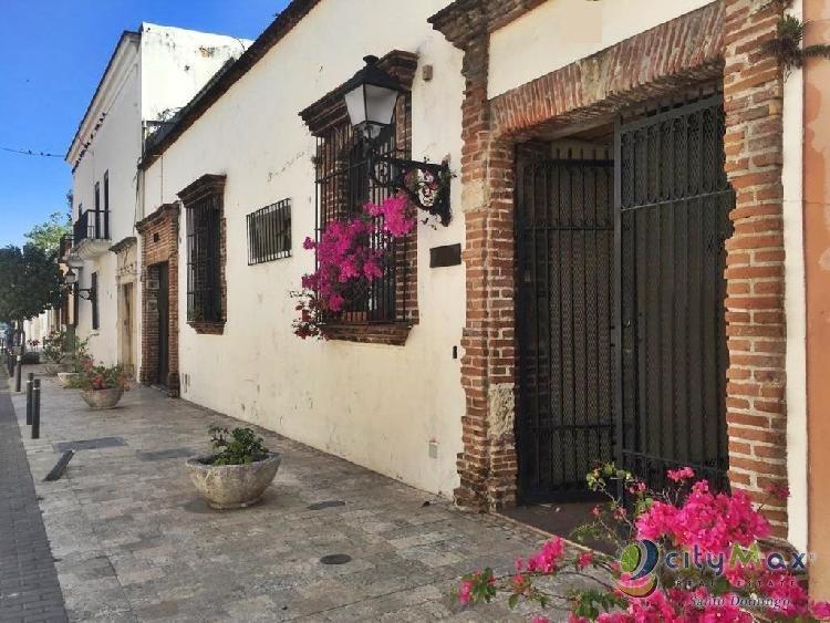Emblemática Casa en la Zona Colonial en Venta y Renta