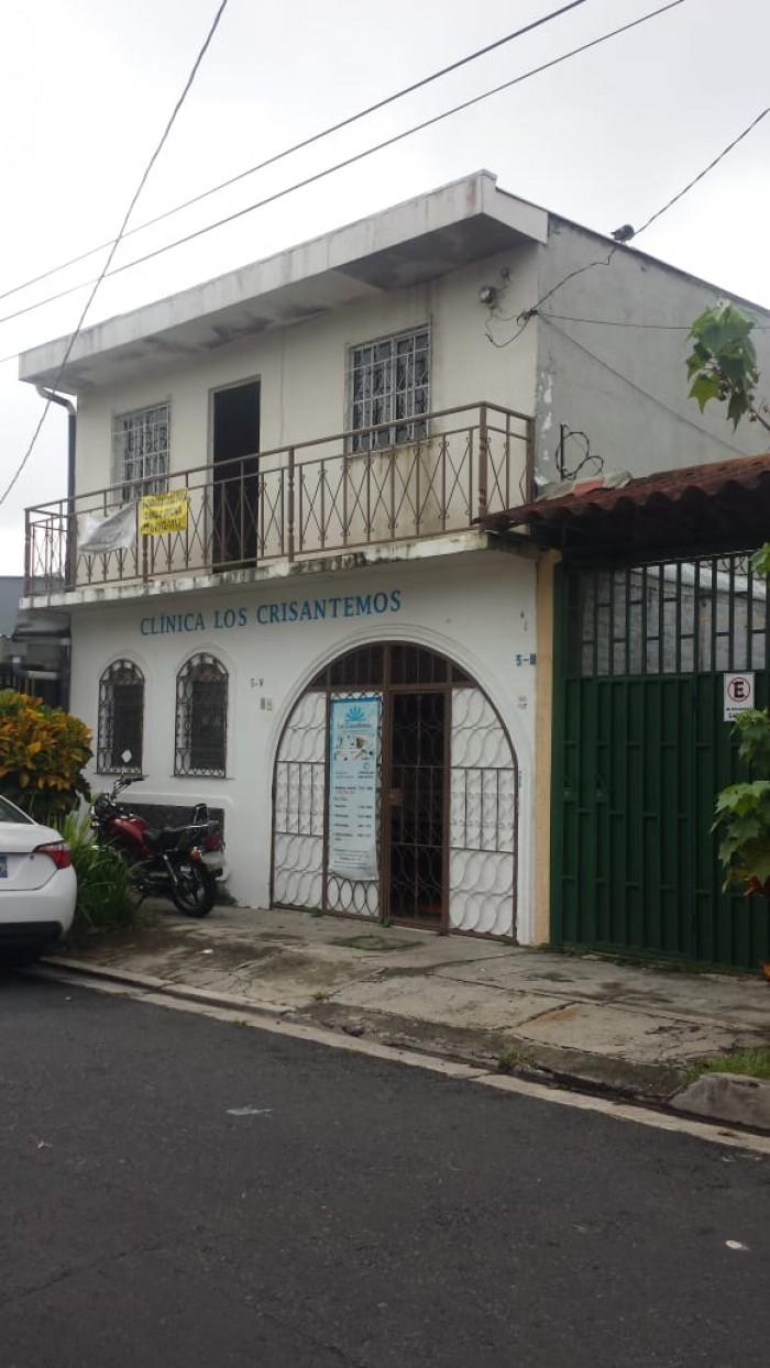 Alquilo consultorios medicos u oficina en Santa Tecla