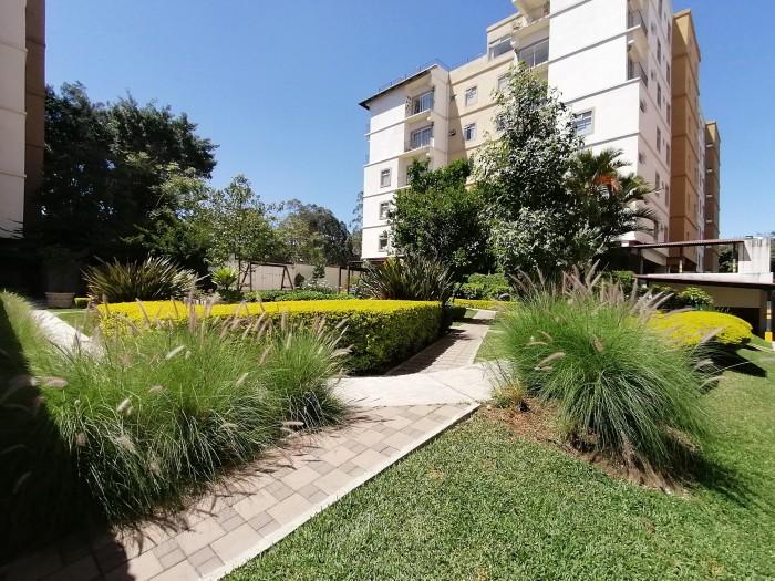 Rento apartamento en zona 11 Santa María de Las Charcas