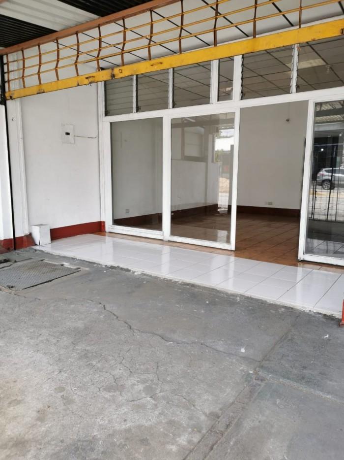 Local en renta sobre vía principal zona 9, Guatemala