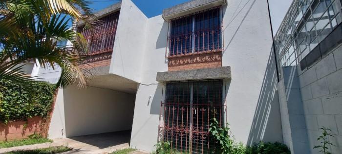 Casa en Condominio en renta La Villa Zona 14 Guatemala