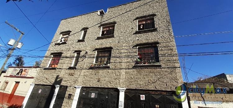 Edificio en Venta con 4 Apartamentos en Villa Nueva