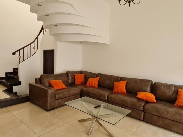 Casa en Venta San Cristobal, Guatemala. 4 habitaciones