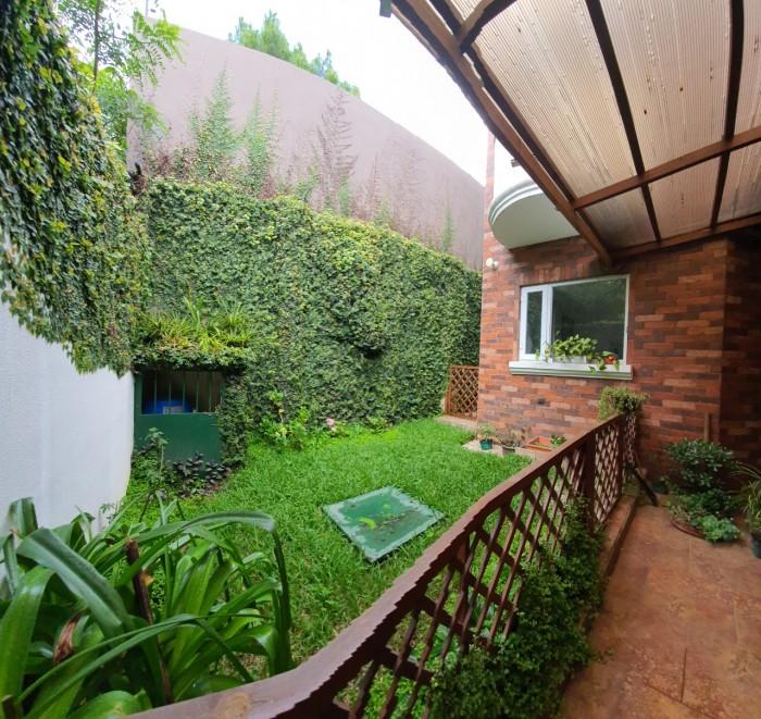 Casa amueblada en zona 16 Hacienda Real