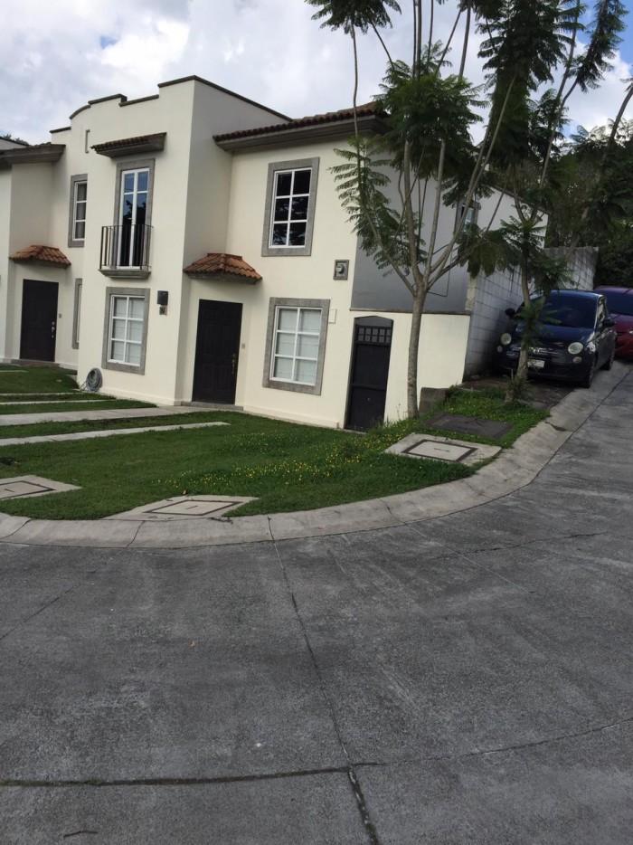 Casa en venta en Condominio Villa Capri, Guatemala
