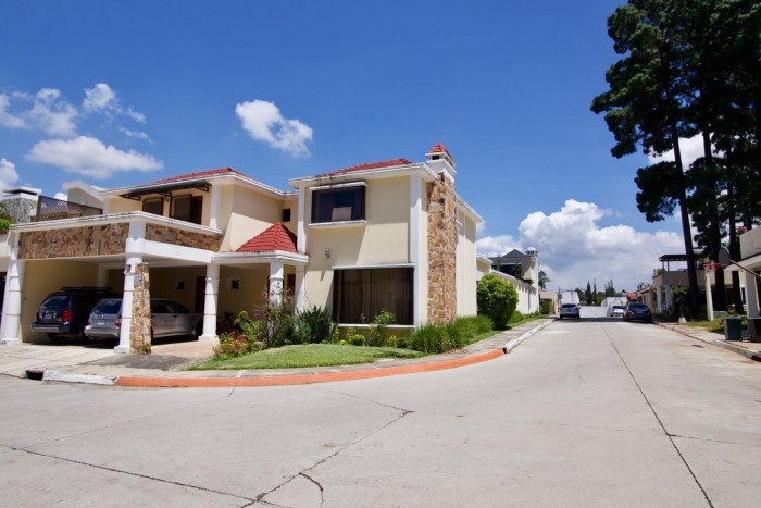 Casa en venta condominio Cristalinas San Cristóbal
