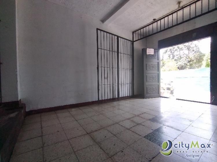 Rento local ideal para uso comercial Antigua Guatemala