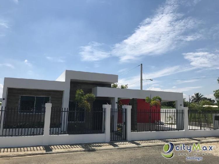 Moderna casa en venta en Llanos de Gurabo Santiago R.D.