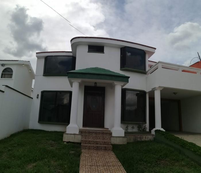 Casa en venta en Loma Real, San Cristóbal 1
