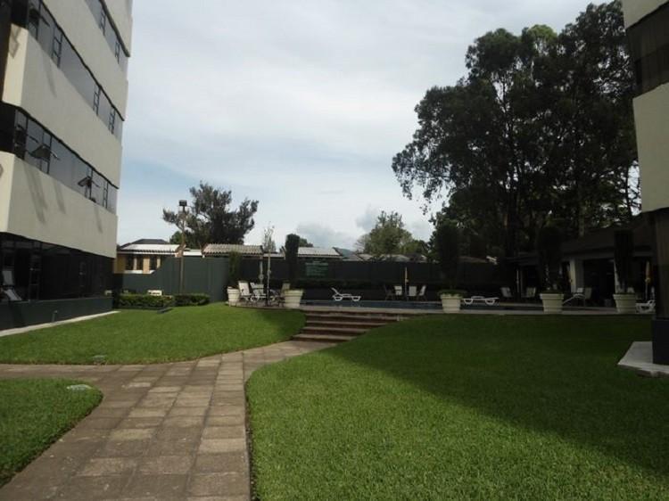 Alquilo Apartamento con 135.00v2 en Zona 14 PAA-061-05-12