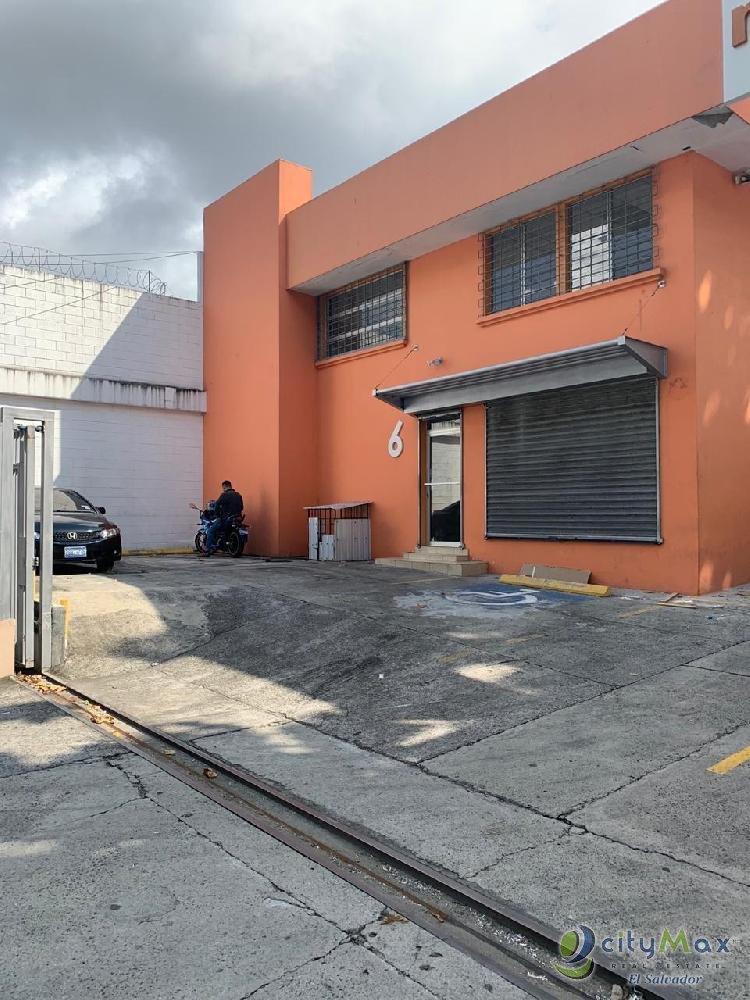 Alquilo Local comercial sobre Boulevard Santa Elena
