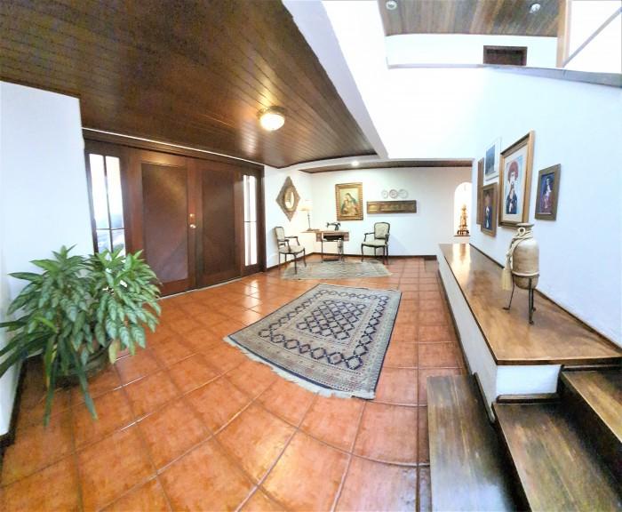 Amplia Casa en Venta El Prado Zona 10 Santa Catarina P.