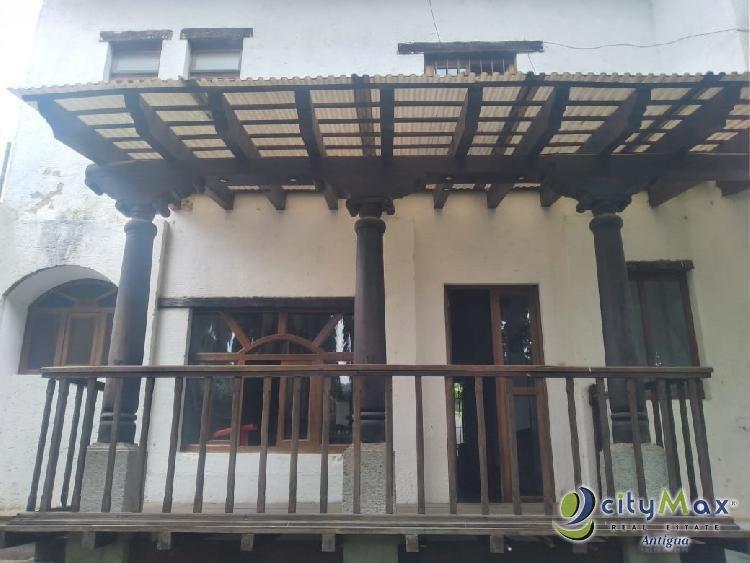 Rento casa ideal para negocio en Antigua Guatemala