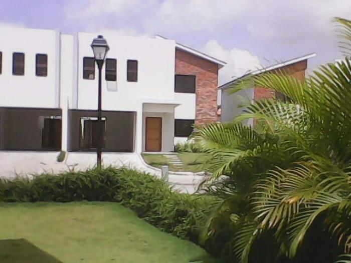 Casa en alquiler de 2 Niveles en Ciudad Modelo