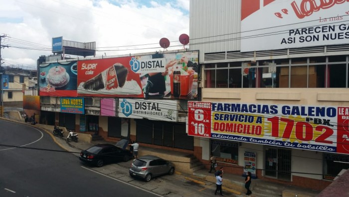 EN VENTA PLAZA COMERCIAL EN ZONA 18 GUATEMALA
