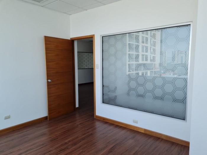 Amplia casa en renta ideal para oficinas zona 13