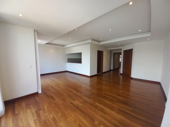 Amplio Apartamento en renta de 2 habitaciones en Z. 10
