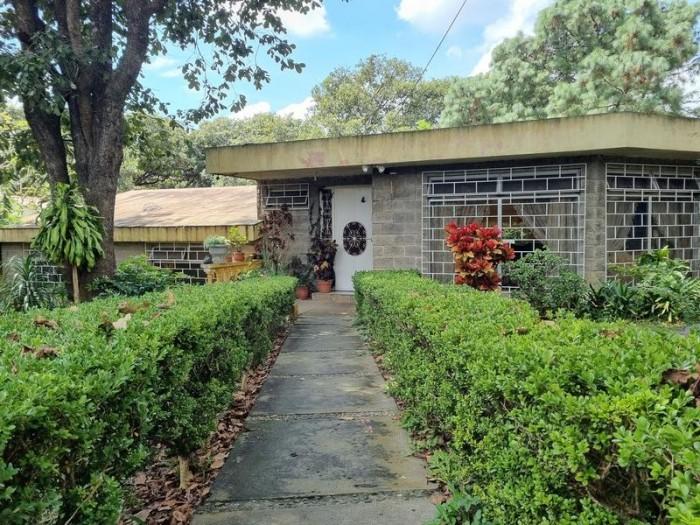Casa en Venta San Cristóbal con amplio terreno