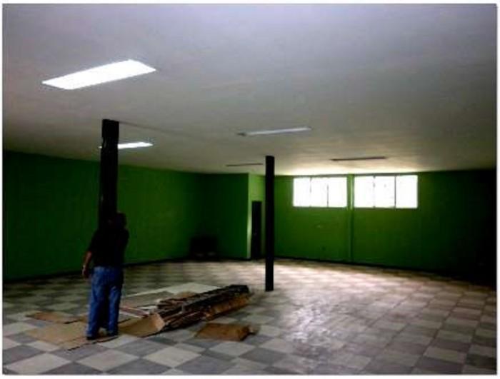 Se venden 2 locales comerciales grandes en La Uruca SJ