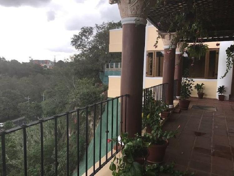 Casa en venta o renta en La Isla zona 15 Guatemala