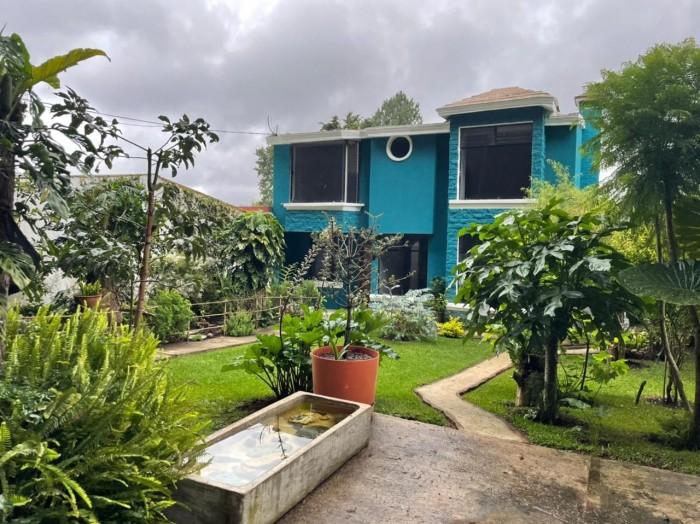 Renta de casa dentro de residencial en San Lucas