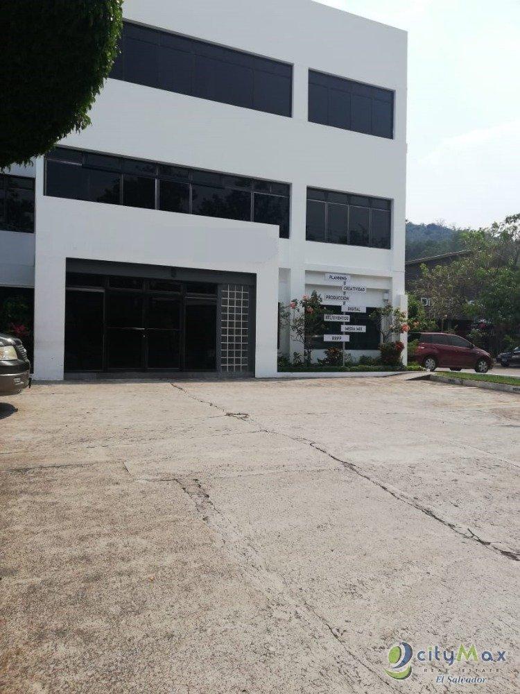 Alquilo edificio en Santa Elena 1,335 m2 AMPLIO parqueo